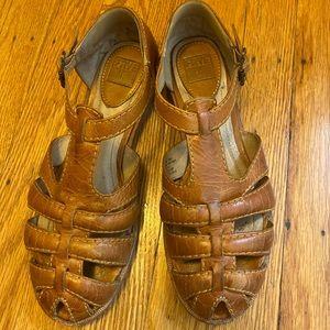 Frye Julia Leather fisherman sandals